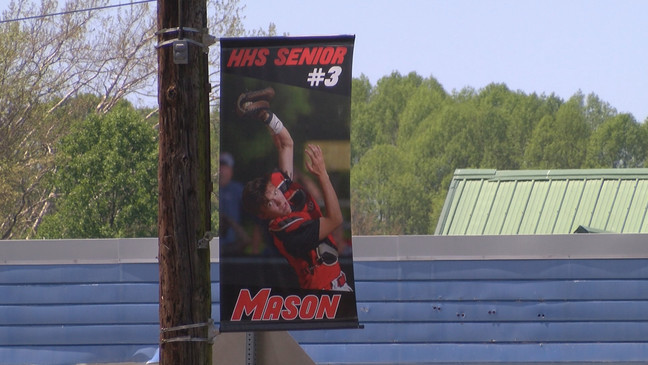 Holston High Parent Leads Effort To Honor Seniors With Banners Around Town Wcyb