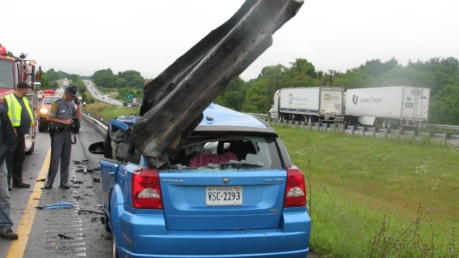 Driver narrowly escapes I-81 accident | WCYB