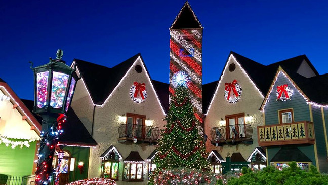 The Christmas Place.Pigeon Forge S The Incredible Christmas Place Opening New